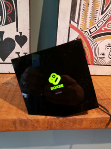 D-link Boxee Box works great