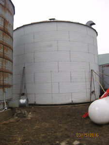 12,500 bushel grain bin for with aeration floor