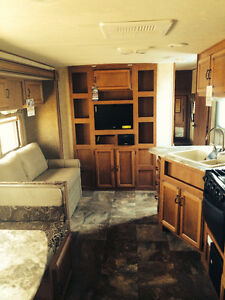 Coachmen Apex 268BHS travel trailer