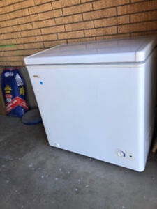 Deep freeze Danby 5.5 - ideal for cabin/apartment