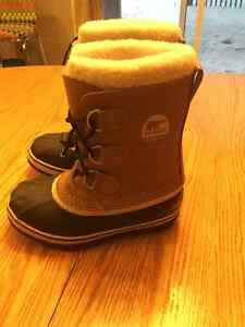Sorel YOOT PAC boots  youth size 3 London Ontario image 1