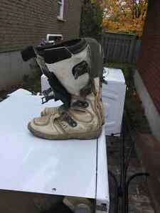 Thor chest protector and boots for sale Peterborough Peterborough Area image 3