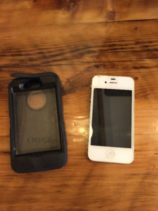 iPhone 4 16GB with Otterbox Defender Case