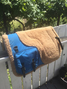English Saddle pad with built in saddle bags