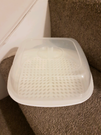 Microwavable container