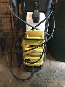 Karcher 2000 PSI power washer pressure washer