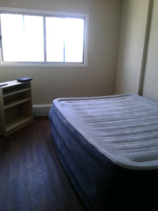 Room to rent! Avail. now or Nov. 1.  $625 All Incl.!