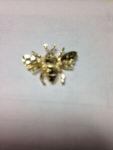 10k Gold Bee Necklace Pendant $30