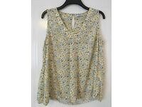 Size 16 NEXT lemon and grey blouse