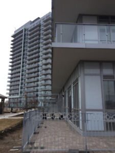 Two-bedroom Mississauga condo with a garden and parking!