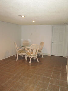 Looking for a FEMALE STUDENT share two bedroom apartment Peterborough Peterborough Area image 8