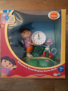 Dora the Explorer interactive clock with Boots the Monkey NEW