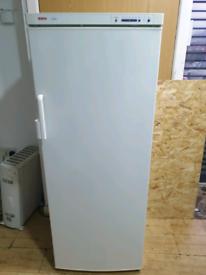 Bosch Tall Fridge Freezer (IMMACULATE CONDITION)
