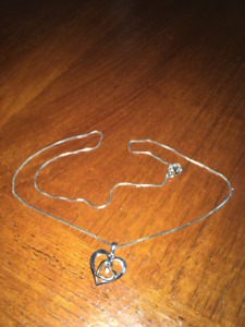 People heart necklace for woman