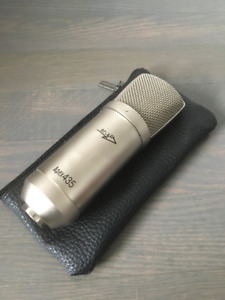 Apex 435 Compact Studio Condenser Mic with Case - Silver