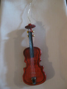 APPROPRIATE MINIATURE-SIZED WOODEN VIOLIN COLLECTIBLE