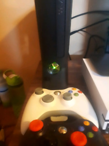 Adult owned Xbox 360 slim with multiple games