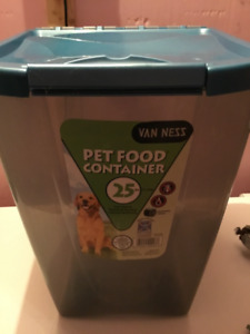 Dog Pet Food Container 25lbs never used -with wheels