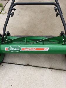 "Scott's 18"" reel mower Stratford Kitchener Area image 4"