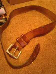 MEN'S LEATHER BELT MEDIUM