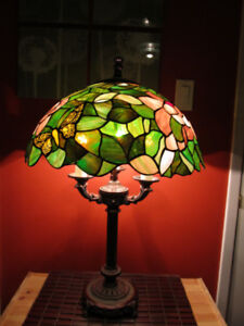 Tiffany style stained glass 3 light bulb table lamp.