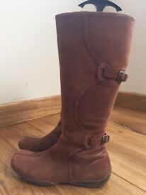 Hush Puppies - Nubuck leather boots - Size 5