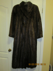 FULL LENGTH BEAVER FUR COAT