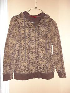 Women's brown printed floral pattern hoodie sweater XS London Ontario image 1