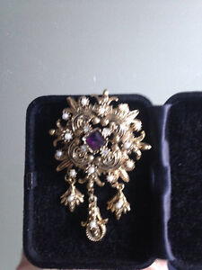 LOVELY BROACH