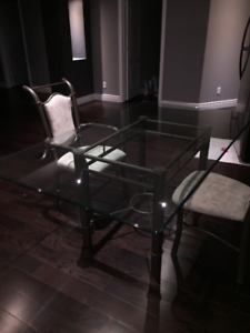GLASSTOP TABLE WITH 6 CHAIRS!!!