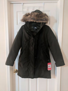 The North Face Women's Arctic Parka - Green (New with tags)