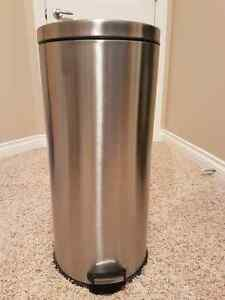 30L Round Step Can/Garbage Can