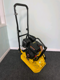 Professional Whacker plate compactor With Wheels NEW BOXED