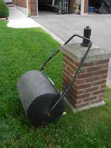 LAWN ROLLER(POLY) PUSH STYLE
