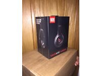New Beats Solo 2 wireless headphones Black