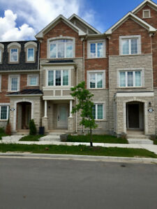 4 bedroom town house oakville sept 1st move in Video