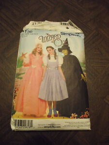 Simplicity Sewing Pattern named The Wizard of Oz  #4736