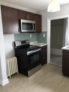 3-bdrm apt for rent immediately - 214 Wentworth North Hamilton