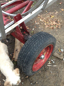 Round Bale feeder wagon, like new, save hay West Island Greater Montréal image 3