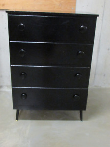 Chest of Drawers and 2 Bedside Tables