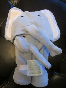 Brand New Indigo Baby Hooded Towel and Wash Mitt