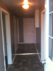 AVAILABLE IMMEDIATELY ABOVE GROUND 1BEDROOM + DEN
