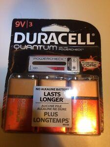 DURACELL QUANTUM 9 Volt Batteries - 9V 3 Pack - Brand New