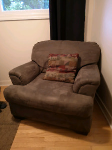 Comfortable Microfibre Chair - must pick up