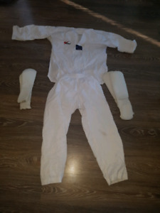 Kids Taekwondo outfit and sparring pads