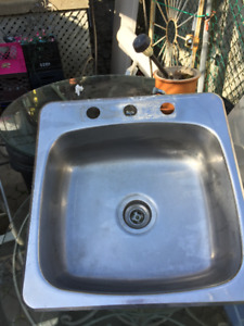 Evier Stainles Lavabo, Double et Simple Stainless Steel Sinks