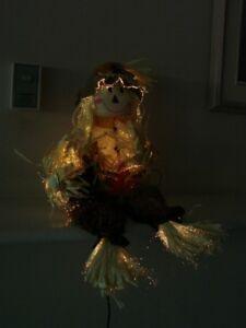 Scarecrow *Illuminates*