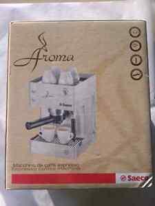 Brand new/ nouveaux Saeco aroma coffee machine espresso