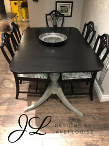Stunning dining room table with 6 chairs