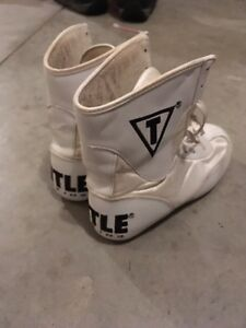 Title size 3 boxing boots Kitchener / Waterloo Kitchener Area image 1